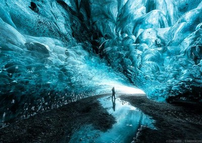 Thumbnail-Winter-iceland-photo-tour-ice-caves-image-compressed