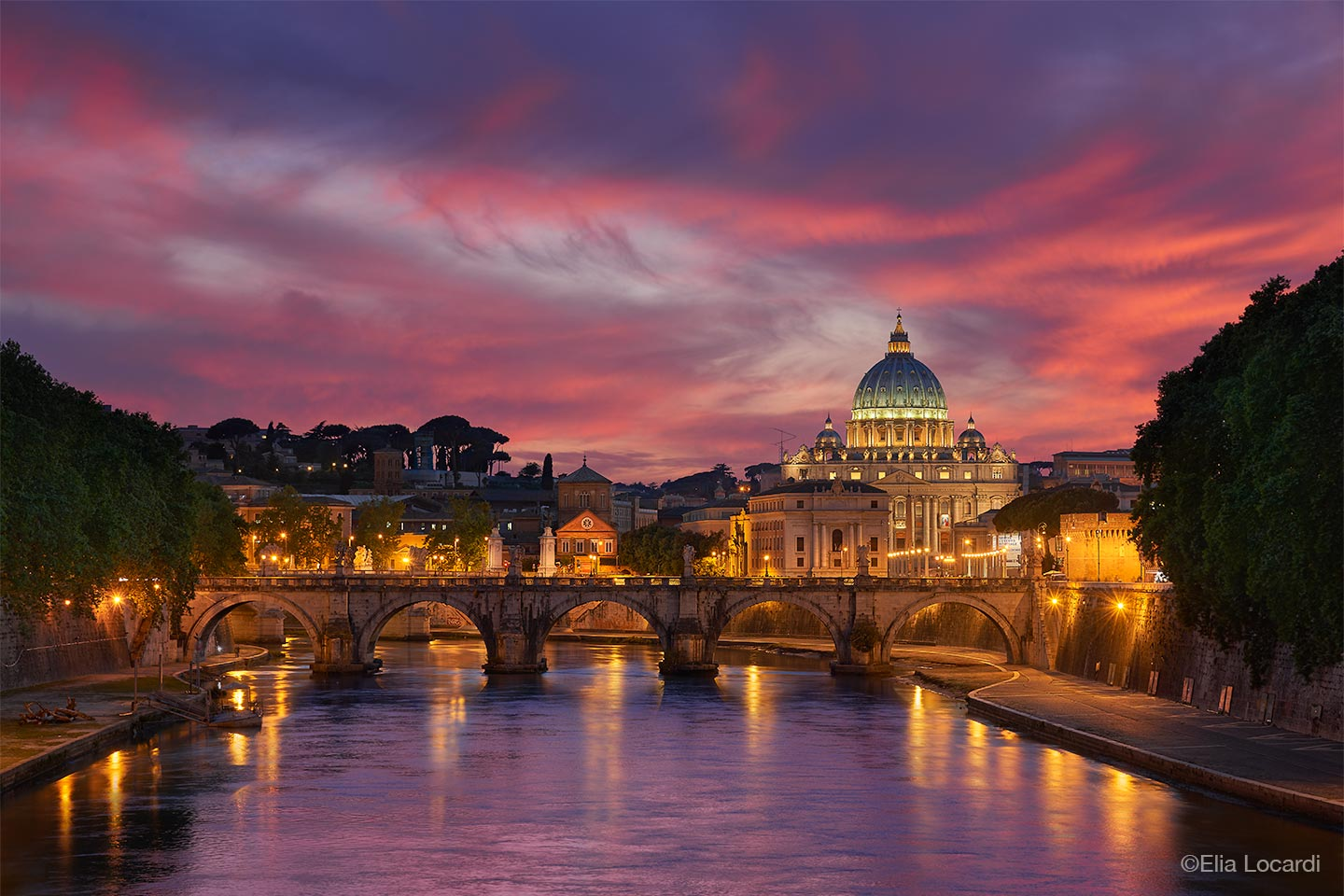 Photo-Tour-Leader-Elia-Locardi-Eternity-Rome