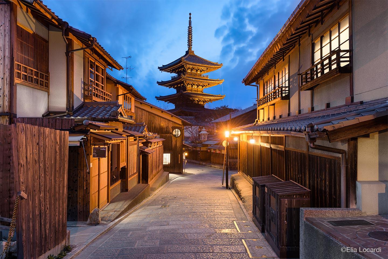 Photo-Tour-Leader-Elia-Locardi-Kyoto-Japan