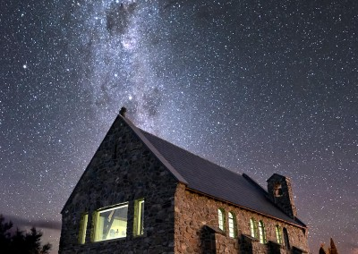 Photo-Tour-Leader-Elia-Locardi-Lake-Tekapo-New-Zealand
