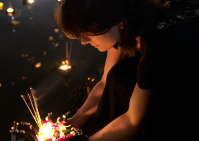 Photo-Tour-Leader-Naomi-Loi-Kratong-Profile-pic-cropped