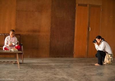 Photo-tour-leader-Naomi-Myanmar-nun