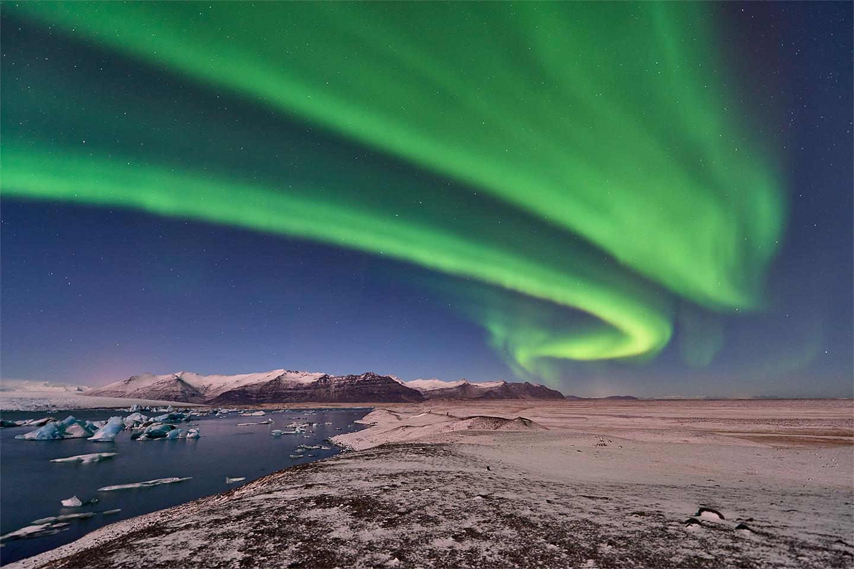 Iceland-Winter-Photo-Tour-Northern-Lights-2-1440-60q