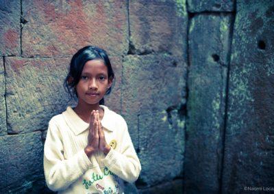 Photo-Tour-Leader-Naomi-Locardi-Cambodian-girl